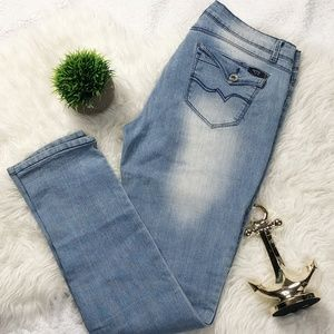 "Juniors ""Forever Young"" Skinny Jeans Light Wash"